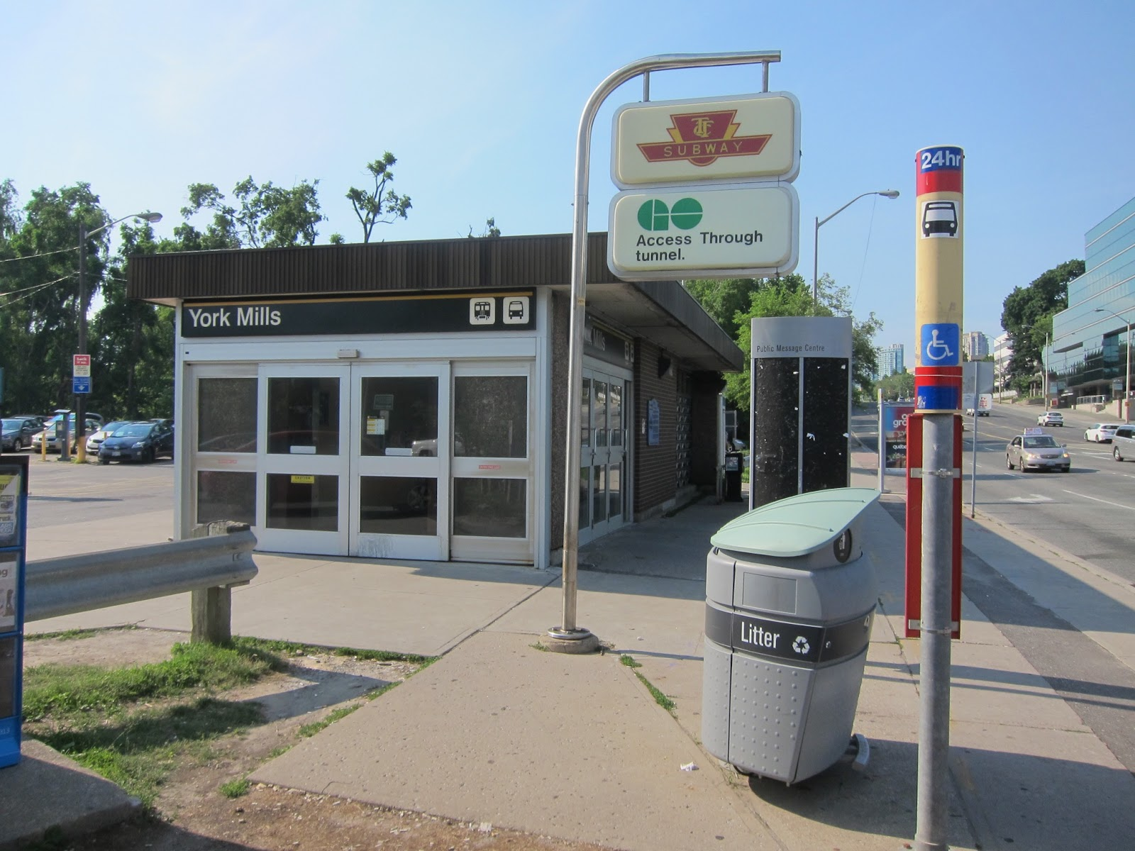 York Mills station entrance