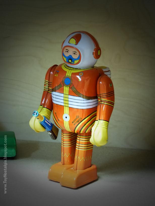 Toy Shop Museun Grundarfjördur Iceland Emil Kaffi tin Robot