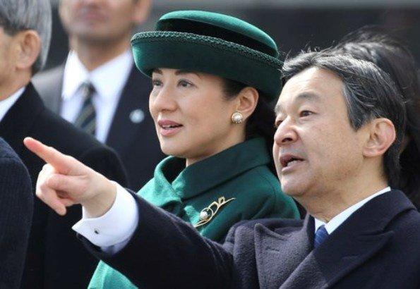 Emperor-Akihito-and-Empress-Michiko-7.jpg