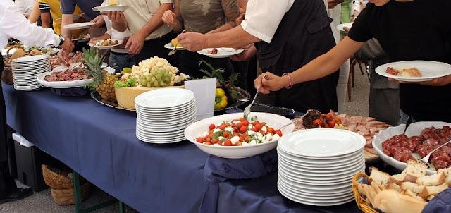 food veggie meat buffet style