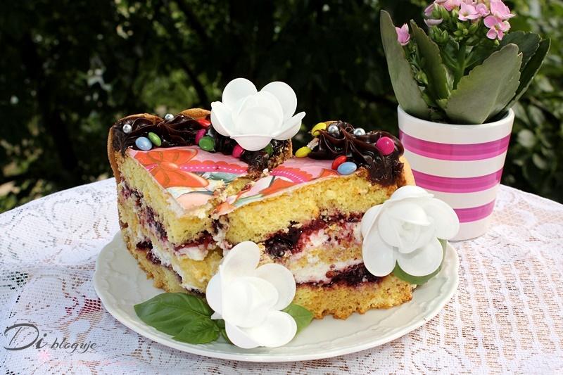 Szybki tort śmietanowy z dżemem z czarnej porzeczki (na 1 urodziny Natalii)