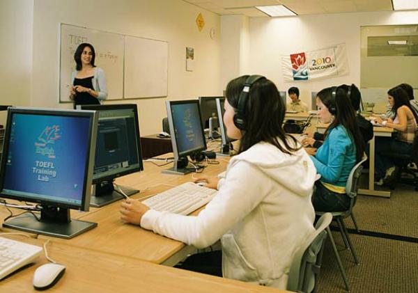 لمعلمي اللغات: اقوى 40 موقع ومصدر للتحضير للامتحانات الدولية في اللغات مباشرة من حاسوبك ومجاناً TOEFL-IELTS-Listening
