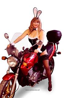 pupu, bunny, Viivi, Honda CB 500, pupuasu, bunny costume, stay up, korkokengät, high heels, isto rinnat, big brests