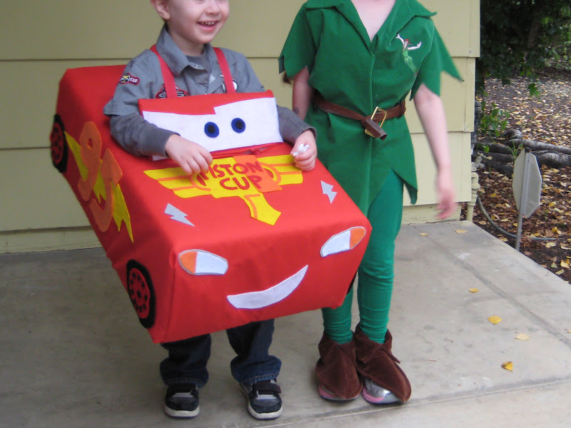 As I mentioned in an earlier post Master W.u0027s costume took a little more time to put together. The end result was so worth it though. & needle and nest: Meet Peter Pan and Lightning McQueen.