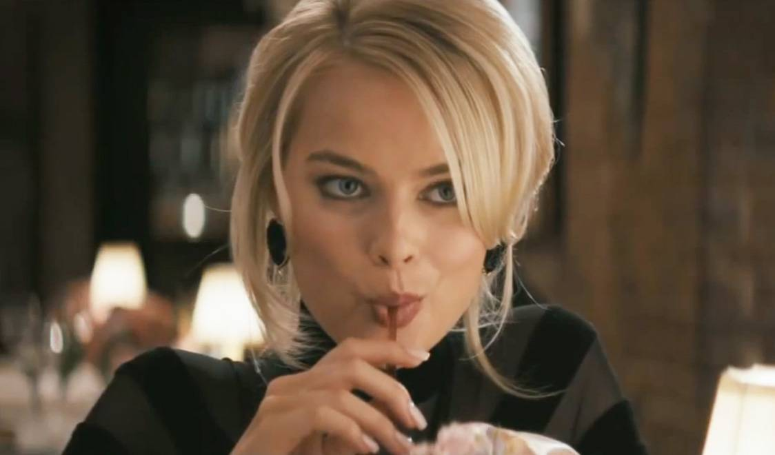 BADGIRLS DELUXE: MARGOT ROBBIE Wolf Of Wall Street Margot Robbie Full Frontal