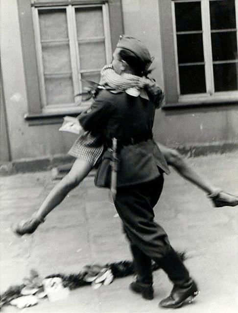 Tak ada yang lebih membahagiakan ketika seorang prajurit berhasil kembali dengan selamat