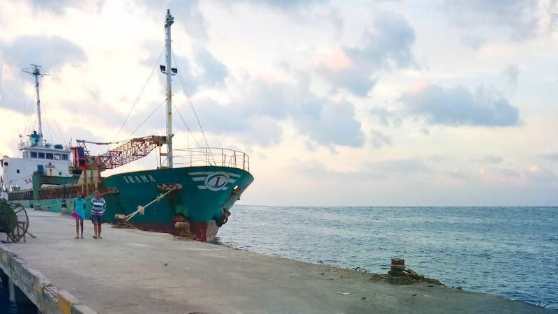 Instalasi Stasiun Pemantau di Pelabuhan Moa Maluku