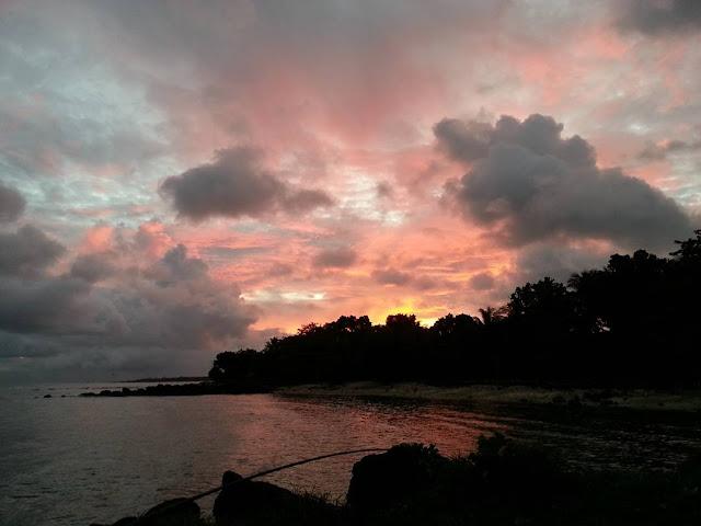 foto sunrise di pantai tanjung lesung