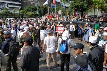 Massa dari Berbagai Daerah Geruduk Kantor Bawaslu, Tolak Hasil Pemilu 2019