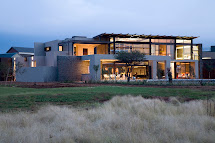 World Of Architecture Serengeti House; Mansions South