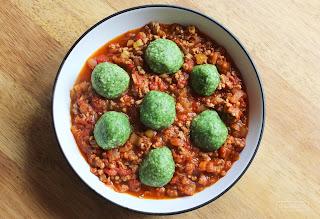 Pulpeciki jaglane w sosie pomidorowo - mięsnym