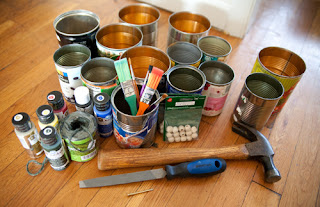 cleaning artist brushes with tin cans
