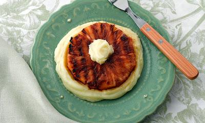 Abacaxi grelhado com creme