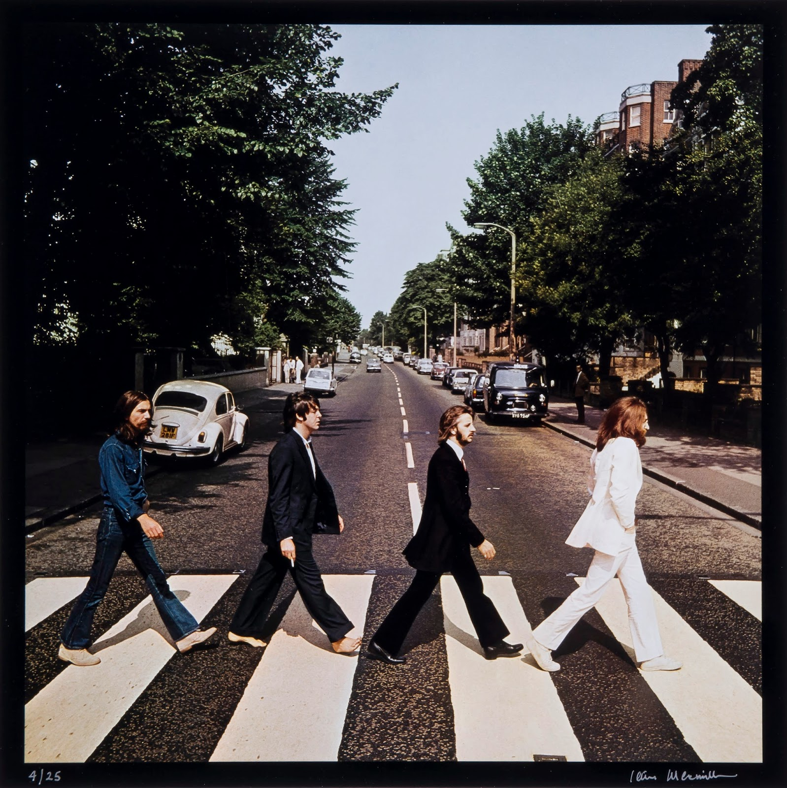 20 interesting stories about the beatles abbey road album cover you probably didn 39 t know. Black Bedroom Furniture Sets. Home Design Ideas