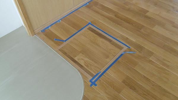 保育園の床に使用したナラ無垢フローリング
