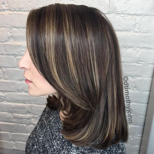short hairstyle for women over 30