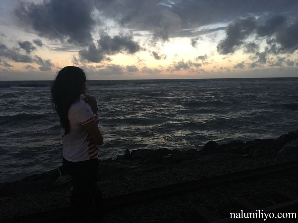 Piumi Hansamali beach hot photos