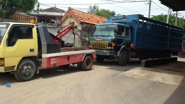 Jasa Derek Mobil Surabaya 24 Jam