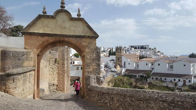 Puerta de Felipe V, Ronda, Pueblos Blancos, Málaga, Andalucía, Elisa N, Blog de Viajes, Lifestyle, Travel