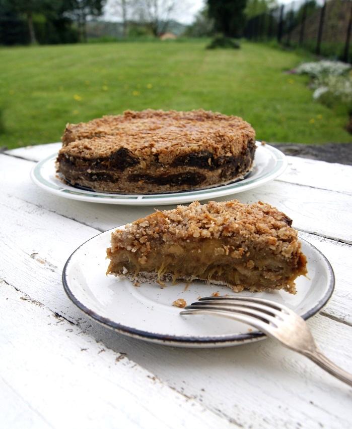 Ciasto gryczane sypane z rabarbarem i crumble