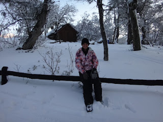 Em frente ao refugio no passeio ao El Refugio Arelauquen - Bariloche