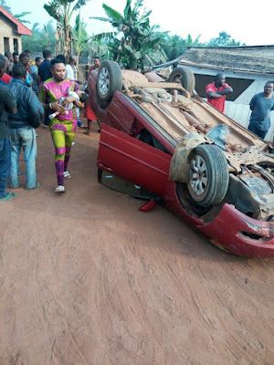 https://umahiprince.blogspot.com/2018/01/pastor-wife-and-twins-survives-accident-on-their-way-to-lagos-for-dedication.html