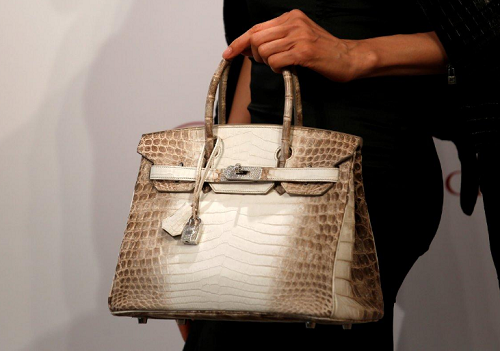 f3e21958320b Here s the world s most expensive bag ever auctioned! The bag was displayed  yesterday in Hong Kong at the rate of  300
