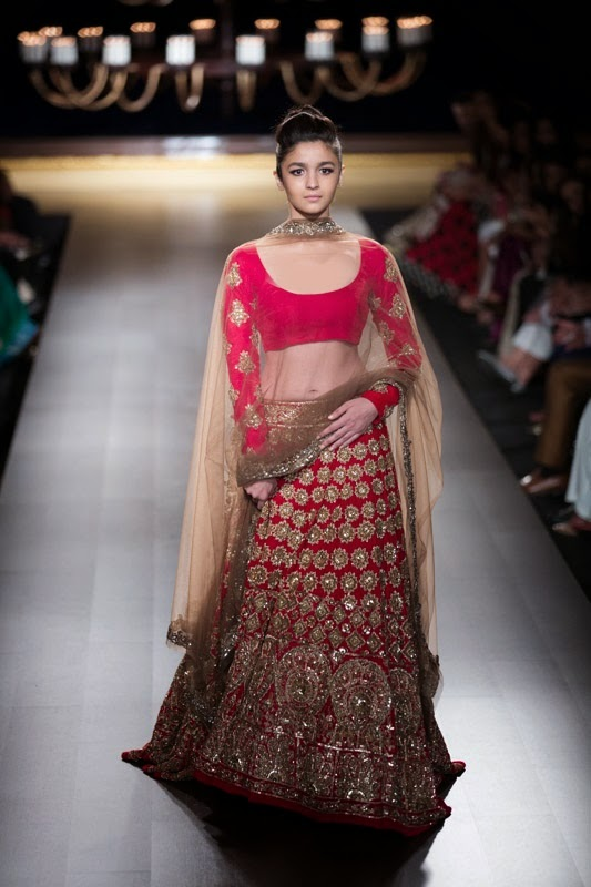 c972f6e3ac4 Manish Malhotra Show at India Couture Week 2014