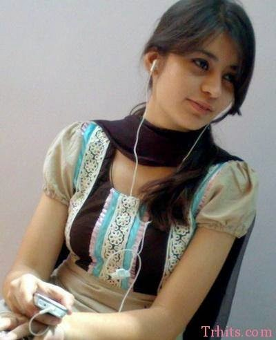 Smart boobs of indian wife doing blowjob to her husbund hotcamgirlsin
