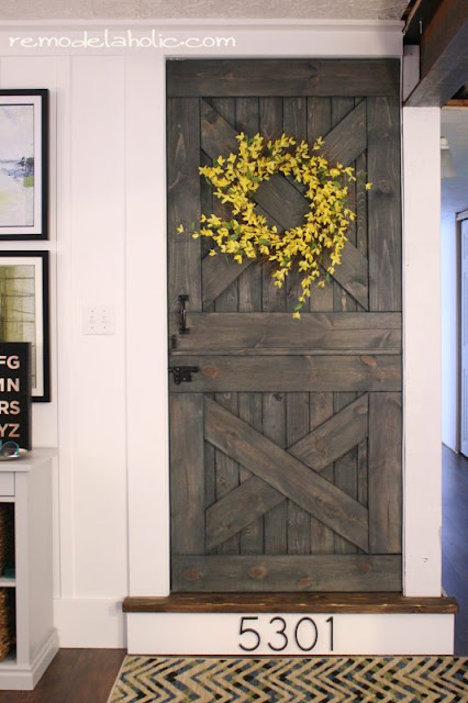 Christmas Decorations Using Old Barn Board Hinges