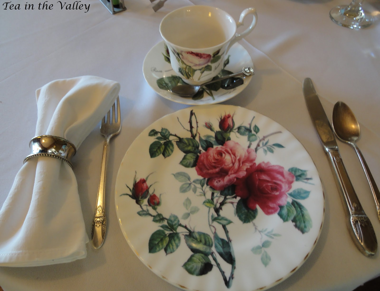 Tea in the valley the white linen tea house for Pretty html table