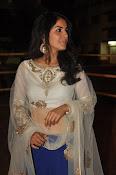 isha talwar latest glam pics-thumbnail-19