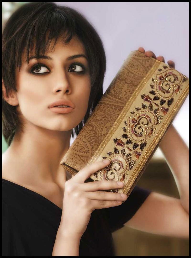 ea0e710b3736 Latest womens bags fashions trend by Gul Ahmed 2011 or 2012 ~ Yahoo Fashion