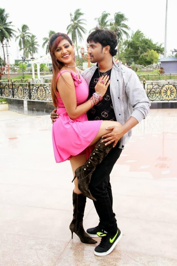 Rishika Singh hot dance from South movie, Rishika legs photos
