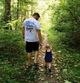 Foto Edge dengan putrinya Lyric Rose Copeland