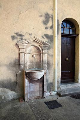 Pernes-les-fontaines Street Art Brunnen