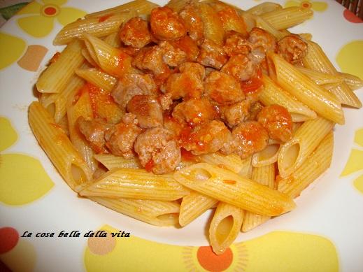 Le cose belle della vita pasta con salsiccia e pelato for Cucinare salsiccia
