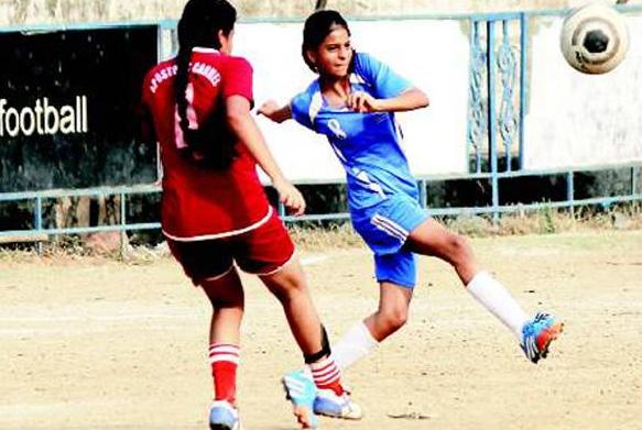 Suhana Khan playing football