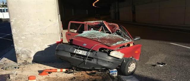 TΡΑΓΩΔΙΑ στην Αττική Οδό: Αυτοκίνητο προσέκρουσε σε τοίχο – Σκοτώθηκε η 24χρονη οδηγός (φωτο)