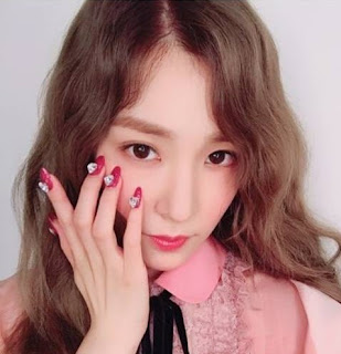 Check out the new nail art of snsds tiffany wonderful generation check out the new nail art of snsds tiffany prinsesfo Image collections