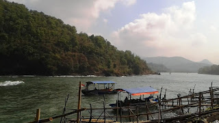 perahu pantai suwuk kebumen