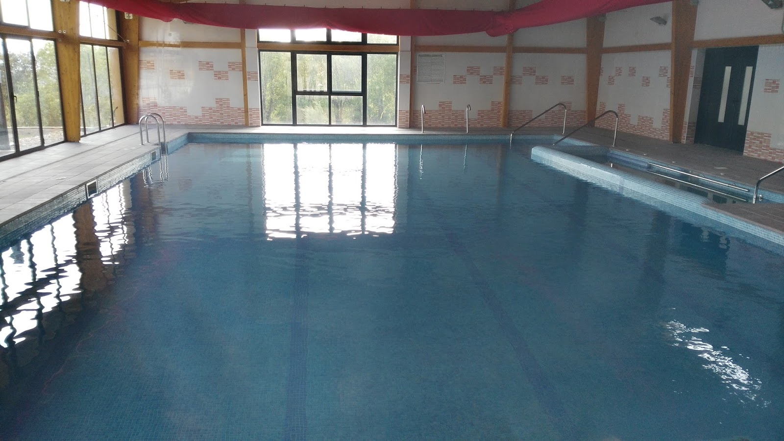 Albergue de berzosa piscina municipal en berzosa for Proyecto de piscina