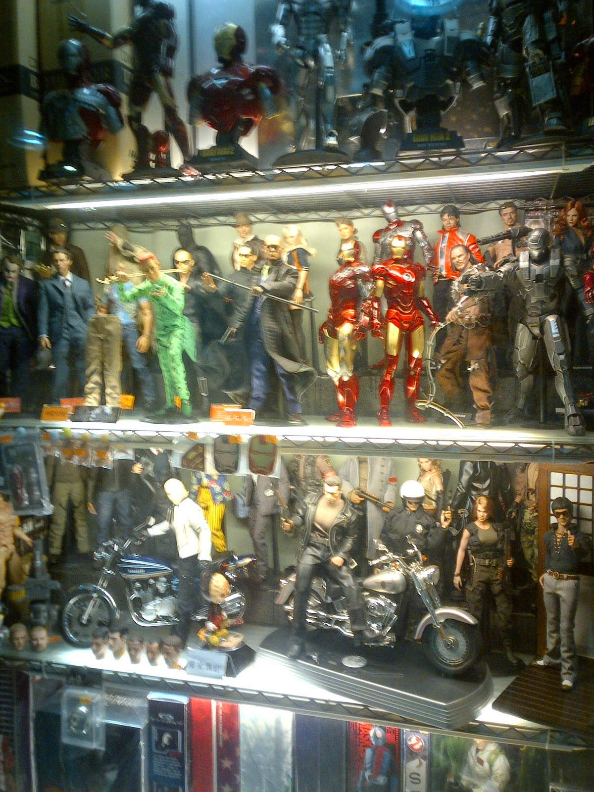 Hong Kong Toy Hunt - Hot Toys