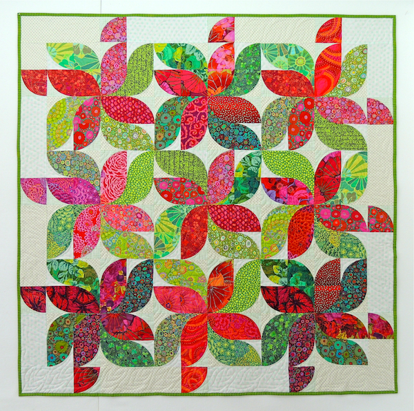 Kaffe Fassett, Drunkard's Path quilt, Christmas quilt, QAL, quilt along, red and green quilt