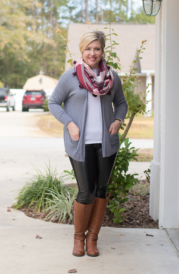 leggings outfit with brown boots