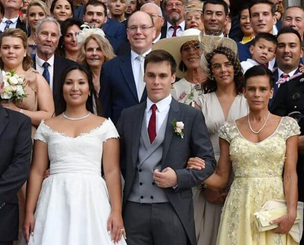 princess caroline, princess stephanie, prince albert at wedding