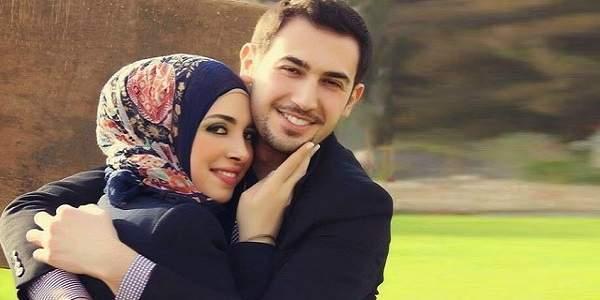 Pelukan Suami Membuat Istri Awet Muda, Benarkah Demikian?