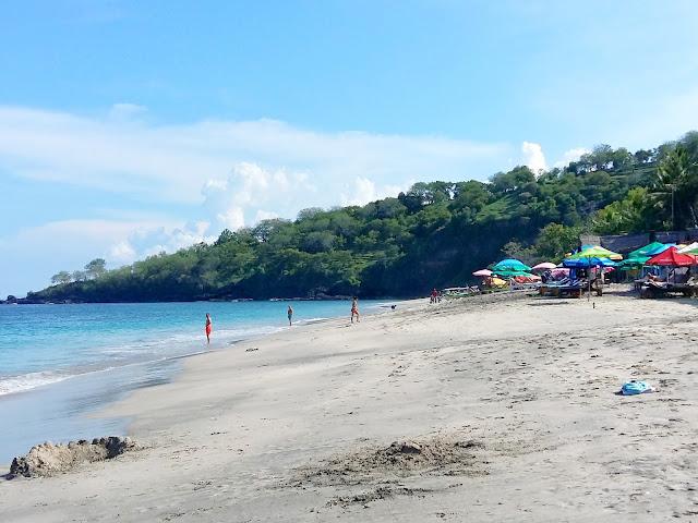 где можно купаться на бали.White Sand beach
