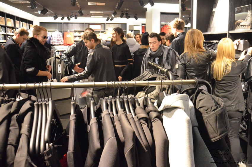 Pre Shopping Event Alexander Wang by HM Store