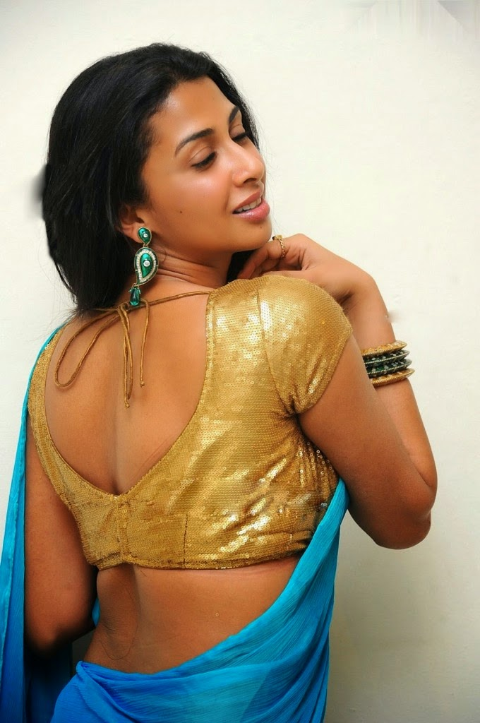 Gayatri Iyer Hot Backless And Side View Pics In Blue Saree -3851